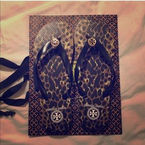 Tory Burch authentic leopard print flip flops 10